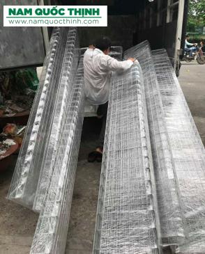 Máng lưới inox 400x100mm cho nhà máy CoCa-Cola