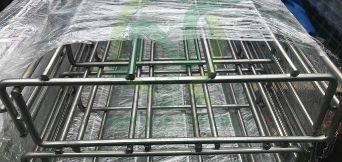 máng lưới inox mạ kẽm