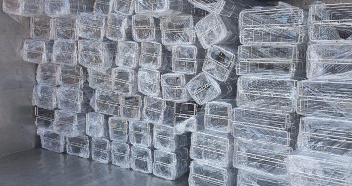 Máng lưới inox 304 giao hàng xe tải
