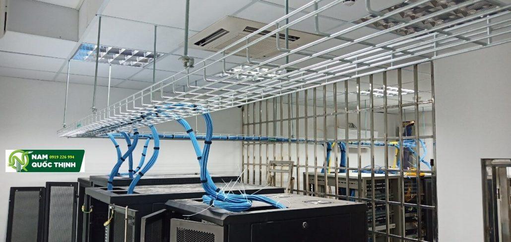 Máng lưới inox 304 đi hệ thống mạng